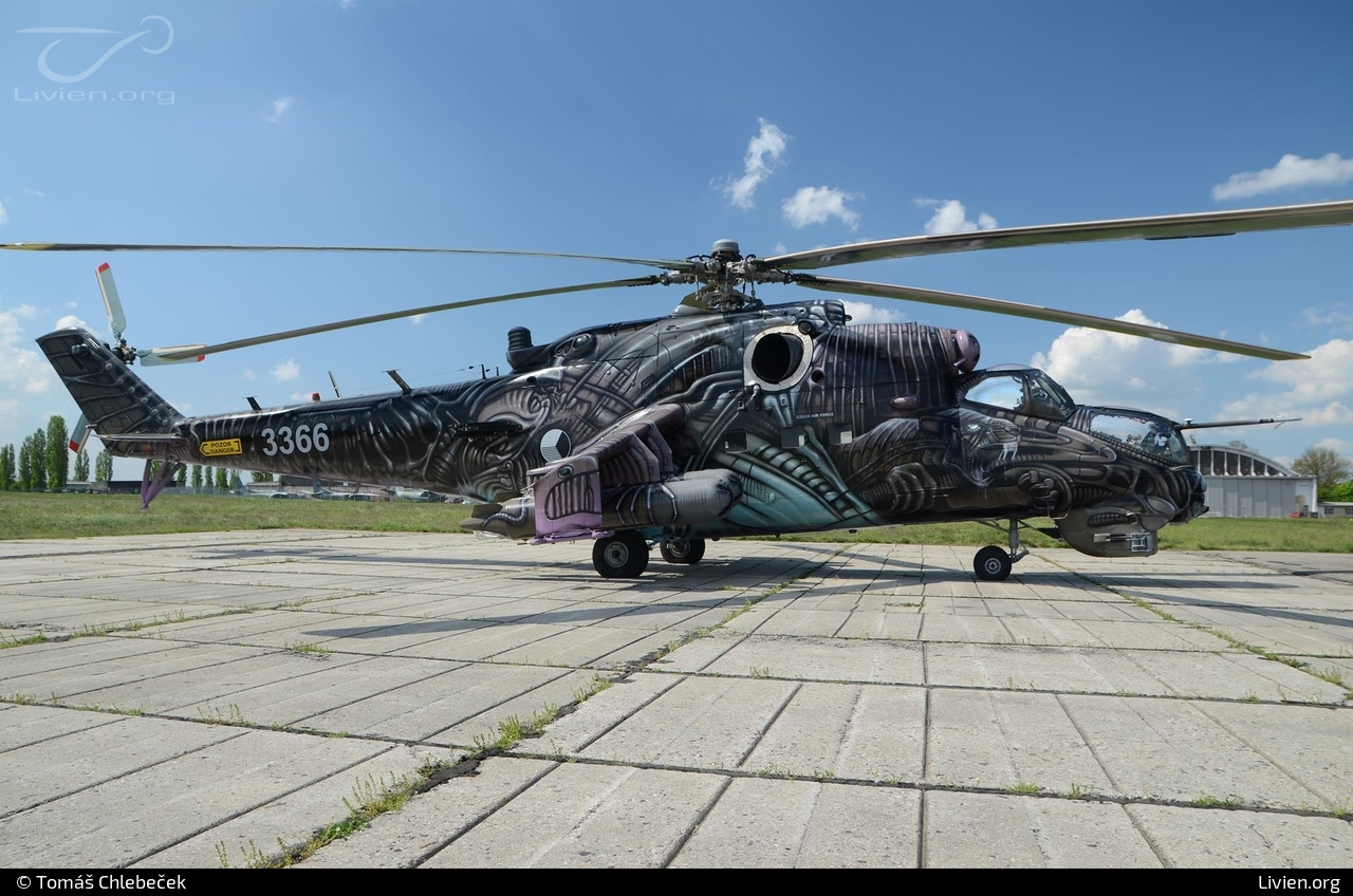 d9782146c Foto vrtulníku - 3366 - Mil Mi-24 V Hind E