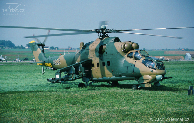 Foto vrtulníku 0223 - Mil Mi-24D Hind D
