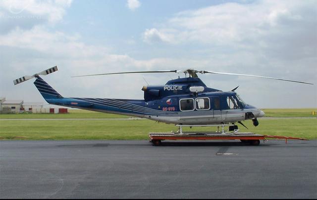 Foto vrtulníku OK-BYO - Bell 412 HP