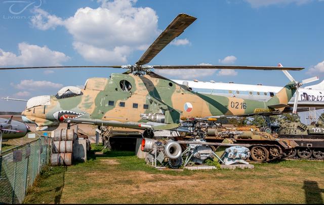 Foto vrtulníku 0216 - Mil Mi-24D Hind D