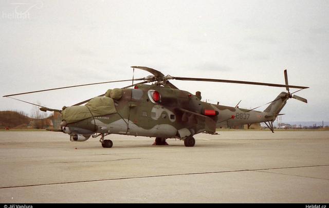 Foto vrtulníku 0837 - Mil Mi-24V Hind E